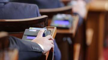На първо четене: Адвокатите не са задължени да докладват на ДАНС за свои клиенти