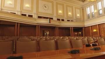 Повече от 23 часа бяха необходими на депутатите, за да приемат държавния бюджет