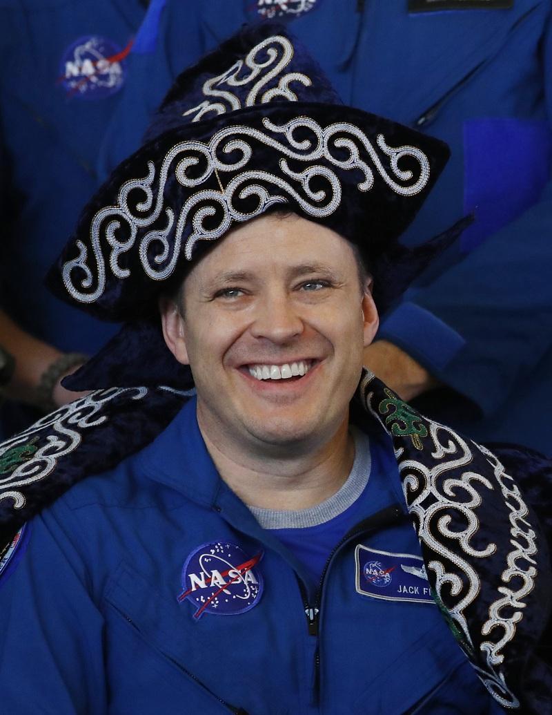 снимка 7 Американски астронавт се завърна след рекордните 665 дни в МКС (СНИМКИ)