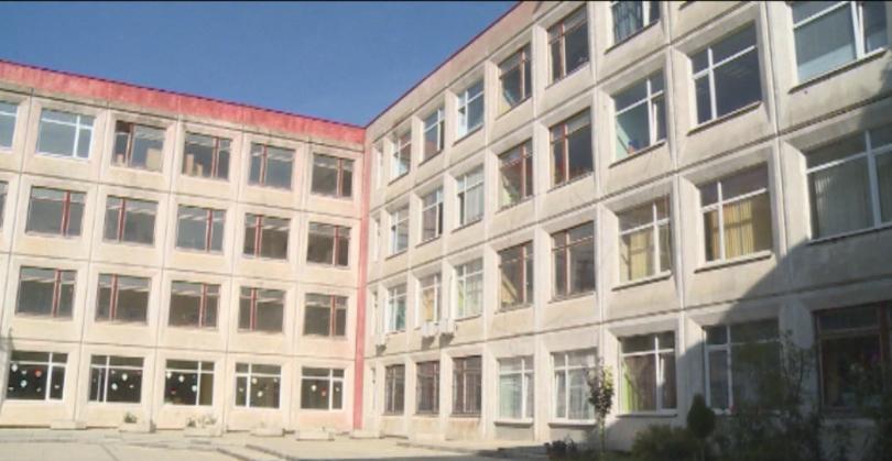 Клип в социалните мрежи показва как учителка от Варна крещи