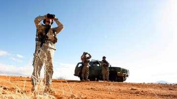 Войници от Националната гвардия на САЩ охраняват мексиканската граница