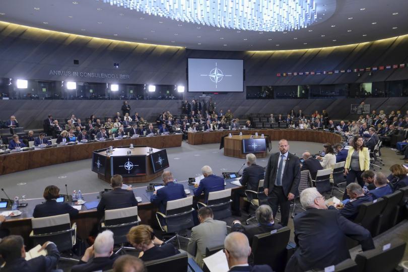 В Брюксел днес продължава срещата на министрите на отбраната на