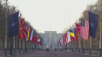 Елизабет Втора и Борис Джонсън дадоха прием в Бъкингамския дворец