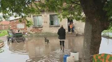 След поройния дъжд наводнения в София