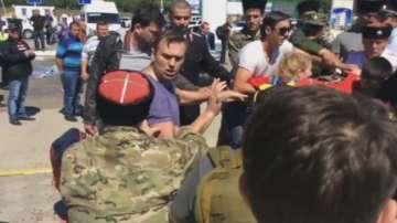 Нападнаха руския опозиционен лидер Алексей Навални и негови съмишленици