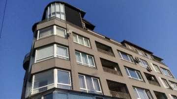 Два навеса трябва да бъдат премахнати от терасата на Пламен Георгиев