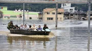 Расте броят на жертвите на пороя в Япония, два милиона души са евакуирани