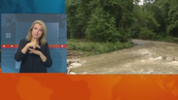 Пороен дъжд, придружен с градушка, наводни централни улици във Велико Търново