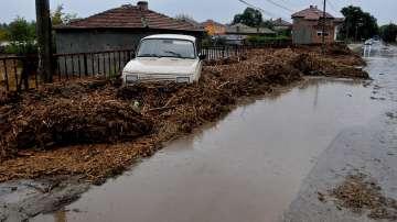 Три жертви и една жена в неизвестност след водното бедствие в община Камено