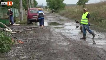 Четири къщи в с. Ливада в Бургаско осъмнаха под вода