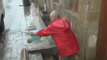 Сунгурларското село Манолич беше наводнено от поройния дъжд вчера