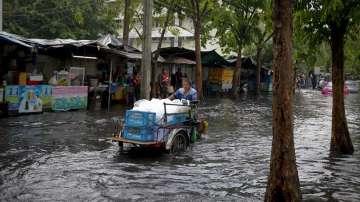 Наводнения в Тайланд взеха 14 жертви