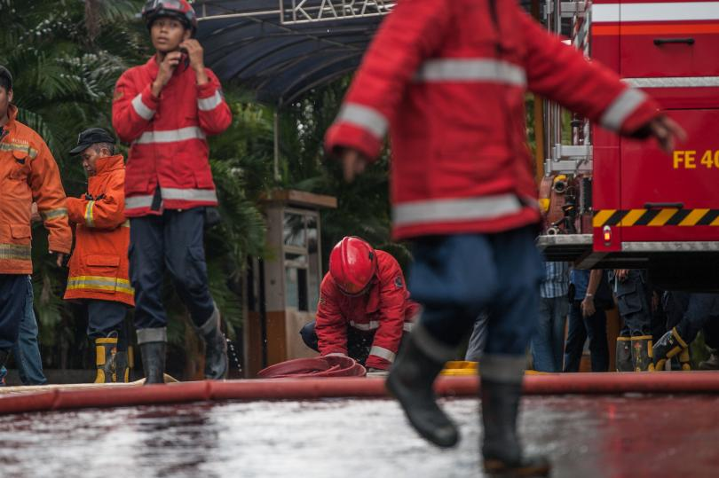 загинали изчезнали пожар ферибот индонезия