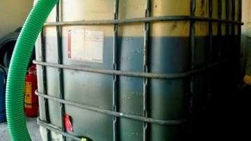 Митнически служители иззеха над 15 тона нелегално гориво