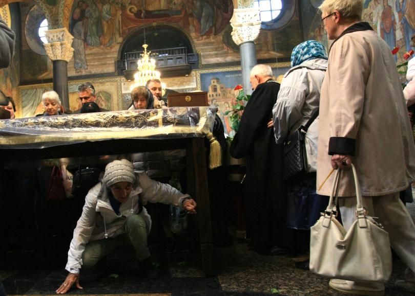 снимка 2 Патриарх Неофит оглави вечерната служба на Разпети петък
