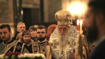 Патриарх Неофит освети бойните знамена и знамената светини на Българската армия