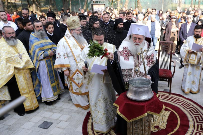 Българската православна църква все още не е разглеждала въпроса за