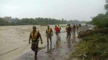 Над 20 загинали при наводнения и свлачища в Непал