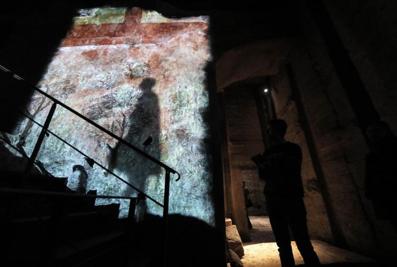 рим отваря врата подземния свят разрушения дворец нерон