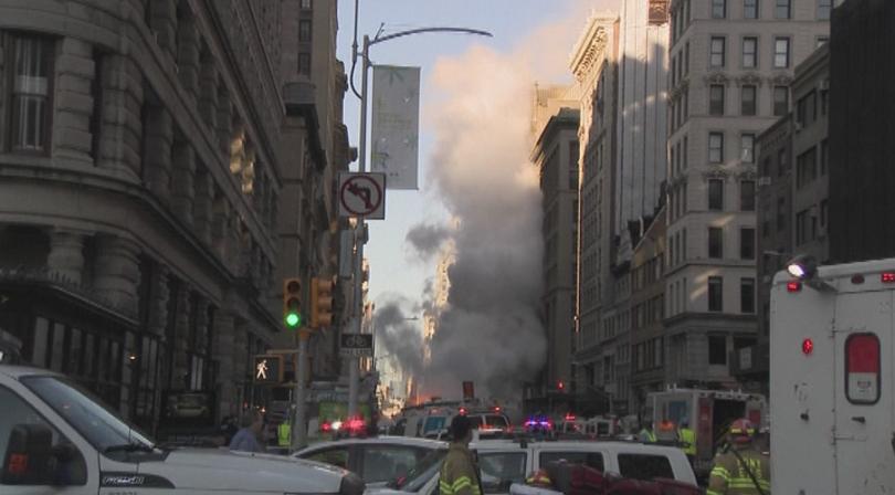 Голяма авария предизвика евакуация в центъра на Ню Йорк.