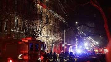 12 души загинаха при пожар в Ню Йорк