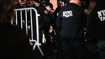 Експлозии в Ню Йорк вдигнаха пожарната и полицията на крак
