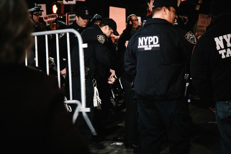 експлозии йорк вдигнаха пожарната полицията крак