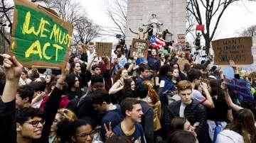 Протести в защита на климата и в САЩ
