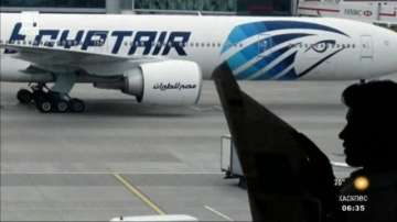 Приключи изваждането на тленни останки от катастрофиралия египетски самолет