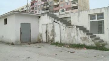 Събарят незаконни къщи и павилиони в Столипиново