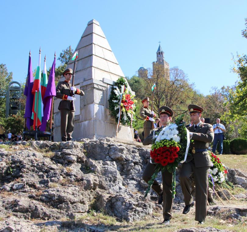 България отбелязва 110 години от обявяването на Независимостта си. Чествания