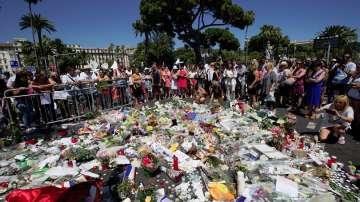 Близо половината жертви на атентата в Ница са чужденци