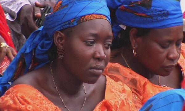 В Нигеря повече от 90 ученички вероятно са отвлечени, след