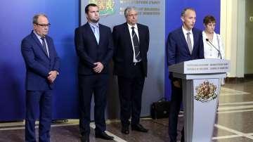 Премиерът даде 10 дни на метеоролозите и ръководството на БАН да се разберат