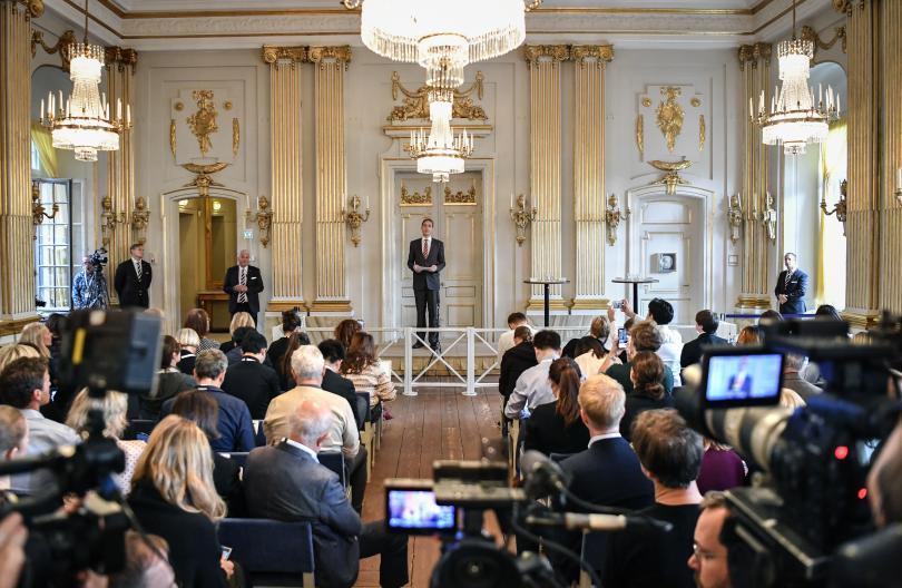 Две Нобелови награди за литература бяха присъдени от Шведската академия,