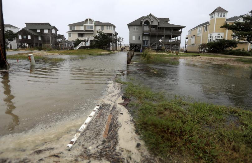 по крайбрежието северна каролина усеща приближаването урагана флорънс