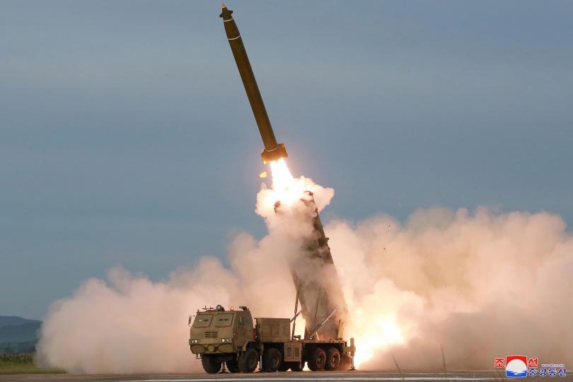 Северна Корея проведе изпитание на нова ракетна пускова установка. Лидерът