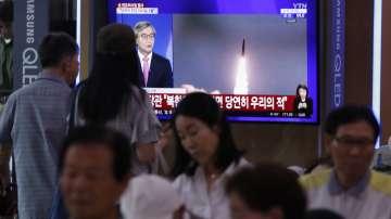 Северна Корея изстреля 2 ракети към Японско море