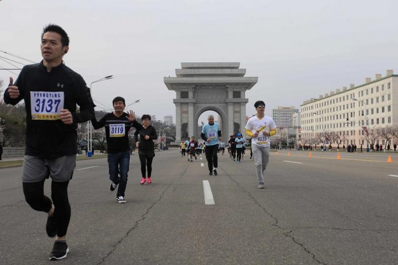 Стотици чужденци взеха участие в маратона в столицата на Северна