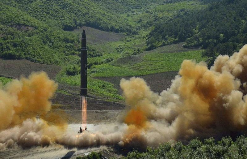 Докато в японските въоръжени сили планират усъвършенстване на противоракетната отбрана,