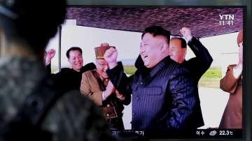 Възобновяват горещата телефонна линия между Северна и Южна Корея