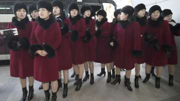Армията от красавици на Северна Корея на Олимпиадата в Пьонгчанг (СНИМКИ/ВИДЕО)
