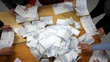 Президентските избори в Северна Македония: Пендаровски води с 53,81%