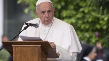 Папа Франциск забрани на бивш американски епископ да отслужва литургии
