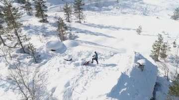 Норвежки състезател по канадска борба рине сняг 55 дни по 12 часа на ден