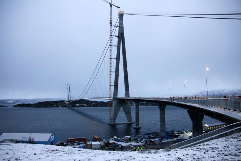 В Норвегия официално бе открит вторият най-дълъг мост в страната.