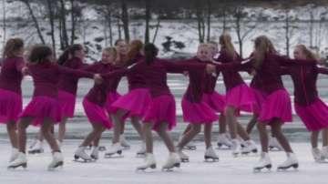 Норвегия с отбор по синхронно фигурно пързаляне