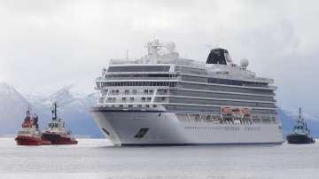Разследват капитана на авариралия край бреговете на Норвегия круизен кораб