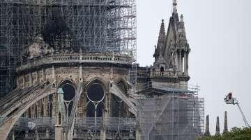 Франция организира международен конкурс за възстановяването на Нотр Дам