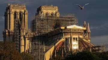 За първи път от два века: Без литургия за Рождество Христово в Нотр Дам
